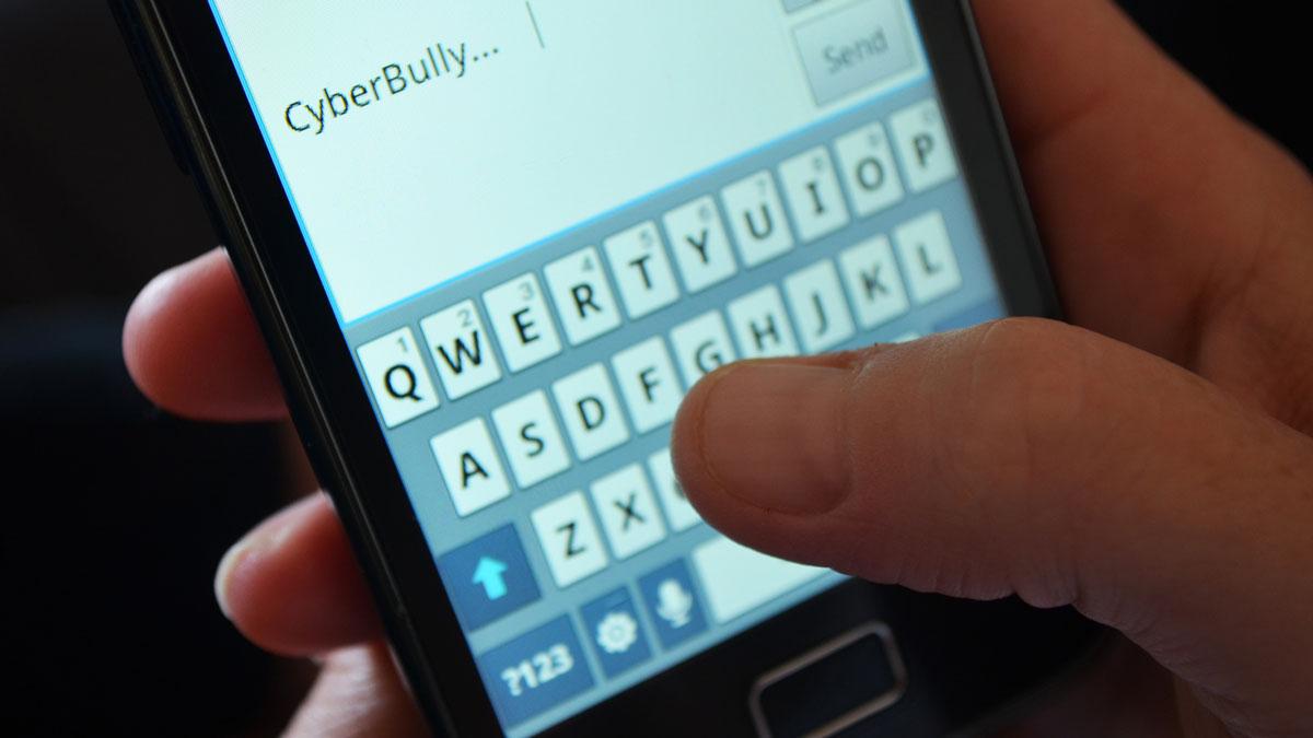 خشونت در فضای آنلاین