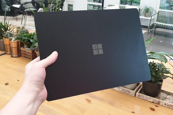 محصولات جدید مایکروسافت. سرفس گو 2 و سرفس بوک 3