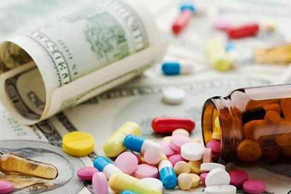 ارز ۴۲۰۰ تومانی مطالبه صنعت دارویی کشور است