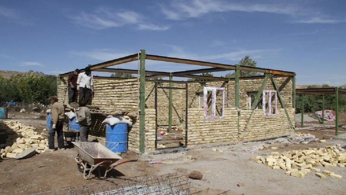 روستاییان خانه دار