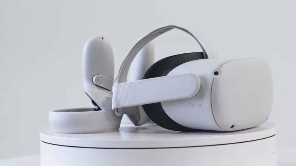 نمای جانبی Oculus Quest 2