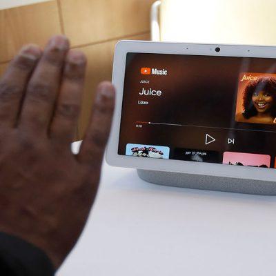 آزمایش گوگل مبنی بر فعال کردن دستیار بدون دستورات صوتی