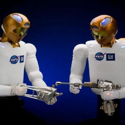 ربات انسانی در مدار زمین