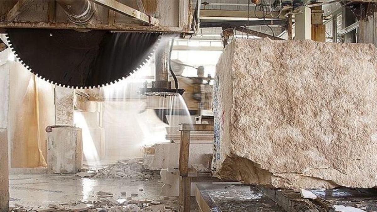 بیشتر صادرات سنگ ایران به صورت خام است