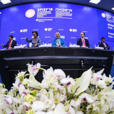 تجارت آزاد ایران با کشورهای همسایه