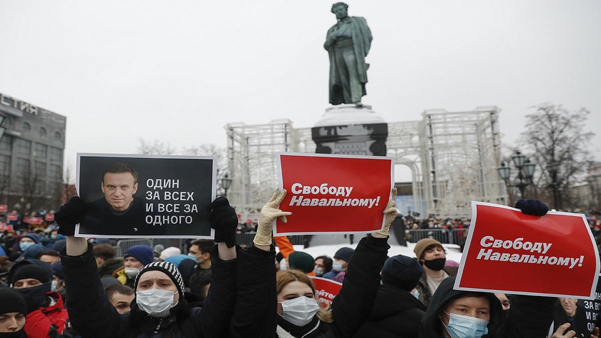 دستگیری ۶۰۰ معترض روسی