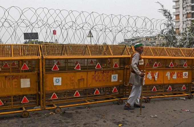 قطعی سراسری اینترنت در هند و مستحکم کردن مرزهای دهلی