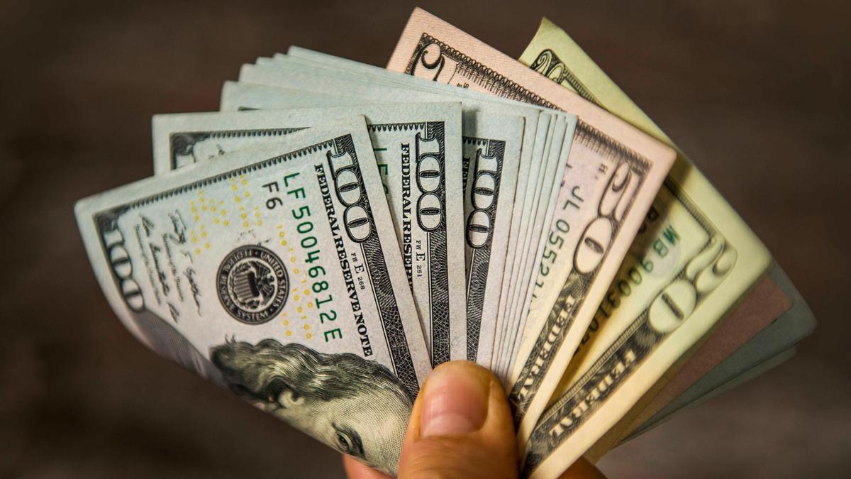 ریزش قیمت دلار دربازار
