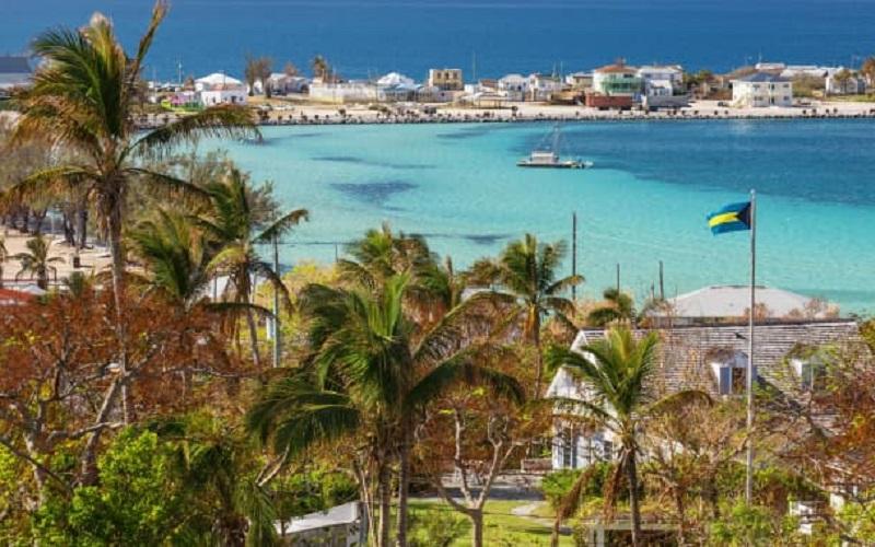 جزایر باهاماس متشکل از 700 جزیره است که کارمندان دور کار میتوانند به 16 تا از آنها از جمله الوترا سفر کنند.